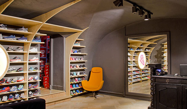 vishopmag-revista-magazine-retail-design-escaparatismo-retail-design-modelina-architekci-run-colors002
