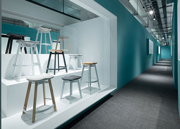 revista-magazine-visual-merchandising-retail-design-escaparates-nendo-ooking-through-the-window-vishopmag-003