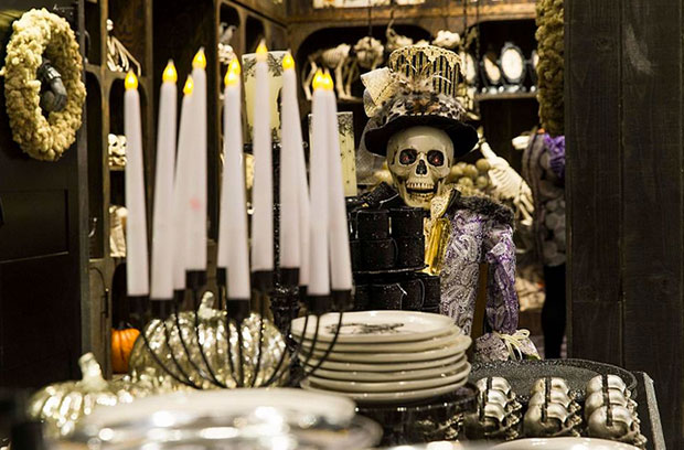 revista-magazine-visual-merchandising-retail-design-escaparates-pop-up-store-macy´s-grandin-road-halloween-vishopmag-005