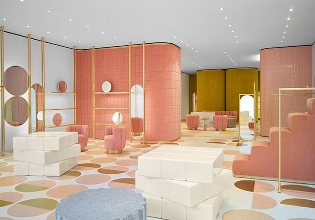 revista-magazine-visual-merchandising-retail-design-escaparates-REDValentino-flagship-vishopmag-006