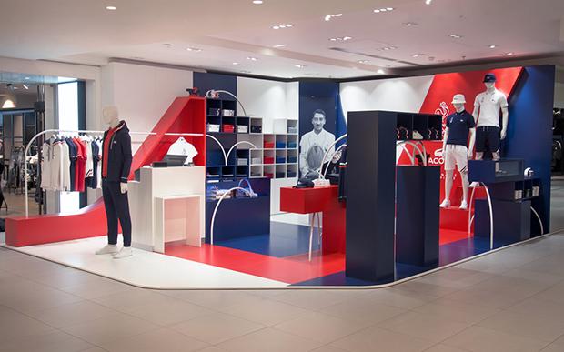 revista-magazine-visual-merchandising-retail-design-escaparates-retail-design-lacoste-bonsoir-paris-vishopmag-005