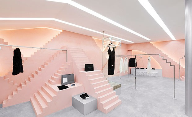 revista-magazine-visualmerchandising-escaparates-geometria-rosa-novelty-retaildesign-vishopmag002