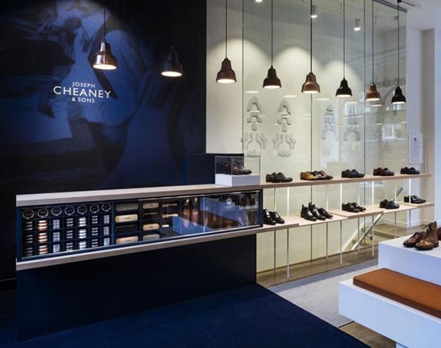 revista-magazine-visualmerchandising-escaparates-joseph-cheaney-store-checkland-kindleysides-retaildesign-vishopmag002