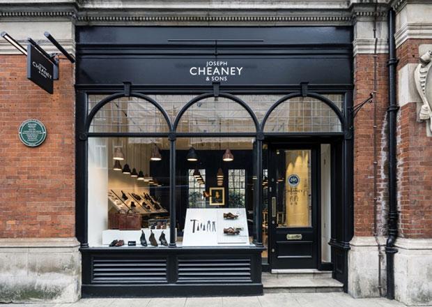 revista-magazine-visualmerchandising-escaparates-joseph-cheaney-store-checkland-kindleysides-retaildesign-vishopmag004