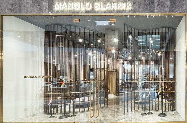 evista-magazine-manolo-blahnik-kuala-lumpur-store-maniquies-vishopmag-0002