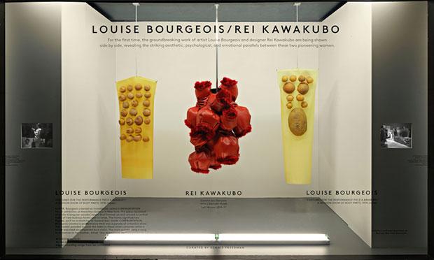 revista-magazine-escaparatismo-visualmerchandasing-retaildesign-rei-kawakubo-louise-bourgeois-barneys-vishopmag-0003