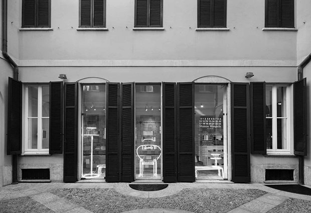 vishopmag-revista-escaparates-escaparatismo-visualmerchandising-retaildesign-maison-margiela-milan-tienda-002