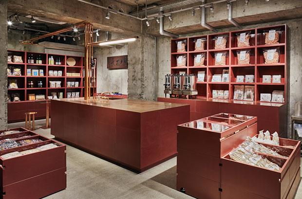 vishopmag-revista-escaparates-escaparatismo-visualmerchandising-retaildesign-tiendas-yagicho-schemata-architects-002
