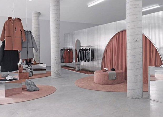 vishopmag-revista-escaparates-escaparatismo-visualmerchandising-retaildesign-alien-pop-up-store-the-arrival001