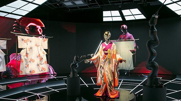 vishopmag-revista-escaparates-escaparatismo-visualmerchandising-retaildesign-tiendas-exhibition-mannequin-kimono-roboto-002
