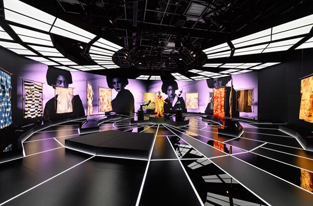 vishopmag-revista-escaparates-escaparatismo-visualmerchandising-retaildesign-tiendas-exhibition-mannequin-kimono-roboto-005
