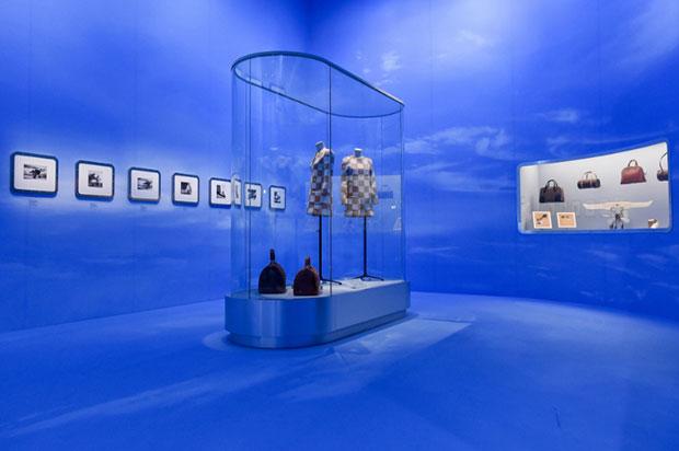 vishopmag-revista-escaparates-escaparatismo-visualmerchandising-retaildesign-tiendas-exhibition-mannequin-volez-voguez-voyagez-louis-vuitton-005
