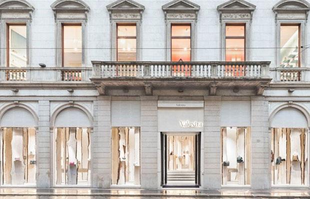 vishopmag-revista-blog-escaparatismo-escaparates-visual-merchandising-tiendas-retail-design-el-bosque-kengo-kuma-valextra-004