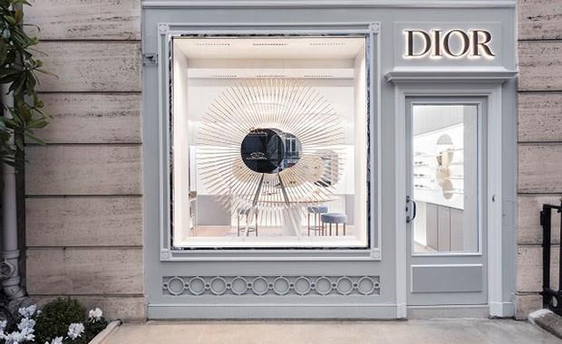 vishopmagazine-revista-escaparates-escaparatismo-retail-desing-tiendas-visualmerchandising-dior-eyewear-boutique001