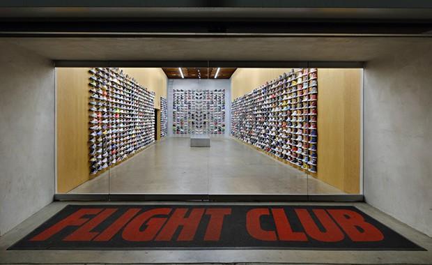 vishopmag-revista-escaparates-escaparatismo-visualmerchandising-retaildesign-escaparates-flight-club-la-slade-architecture-001