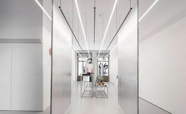 vishopmag-revista-escaparates-escaparatismo-visualmerchandising-retaildesign-escaparates-prudencio-studio-store-001