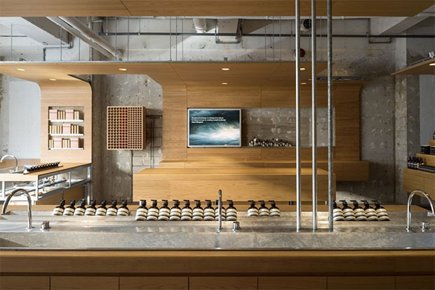 vishopmag-escaparates-revista-escaparatismo-magazine-visualmerchandising-freitag-retail-design-torafu-architects-aesop-store-interio001