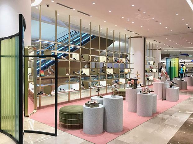 vishopmag-galeries-lafayette-shanghai-concept-store-retail-design-visual-merchandising-escaparatismo-escaparates-3