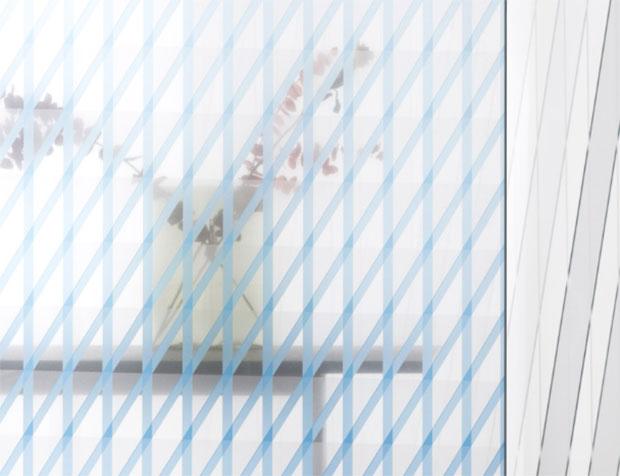 vishopmag-revista-escaparates-escaparatismo-visualmerchandising-oblique-chevron-glass-collection-diseno-design-003