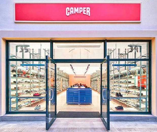 vishopmag-escaparatismo-escaparates-retaildesign-nueva-tienda-camper-jorge-penades-5