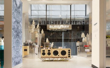 BURBERRY POP-UP STORE
