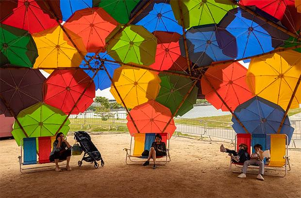 vishopmag-magazine-revista-visualmerchandising-arte-solaraca-opavivarar-bambutec-color-sombrillas-3