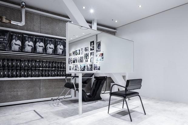 vishopmag-revista-retaildesign-peluqueria-kooo-architects-steel-reinforcement-bars-tokyo-hair-salon-02